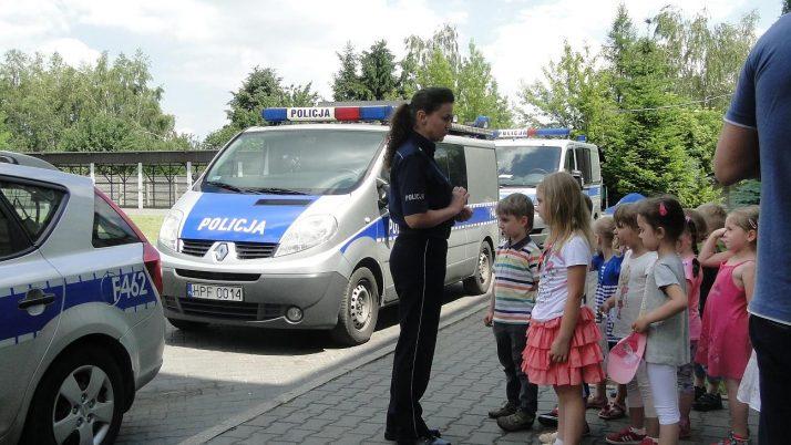 """""""MISIE"""" POZNAJĄ PRACĘ POLICJI"""