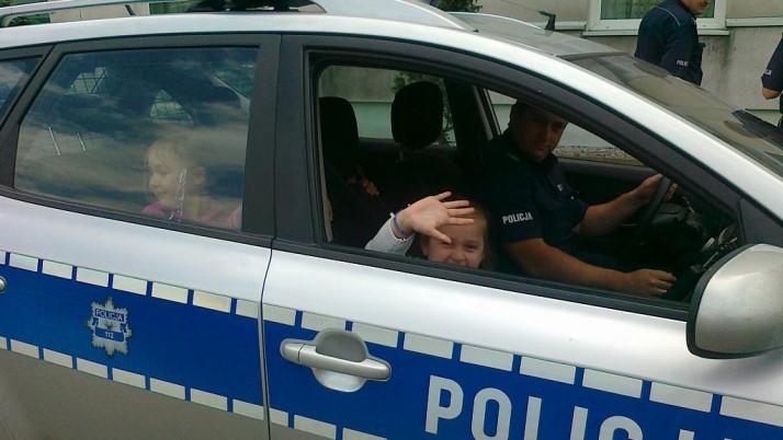 """""""SMERFY"""" Z WIZYTĄ W KOMENDZIE POWIATOWEJ POLICJI"""
